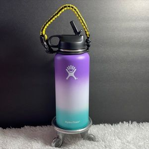 New Hydro Flask with flex lid and paracord 32 oz